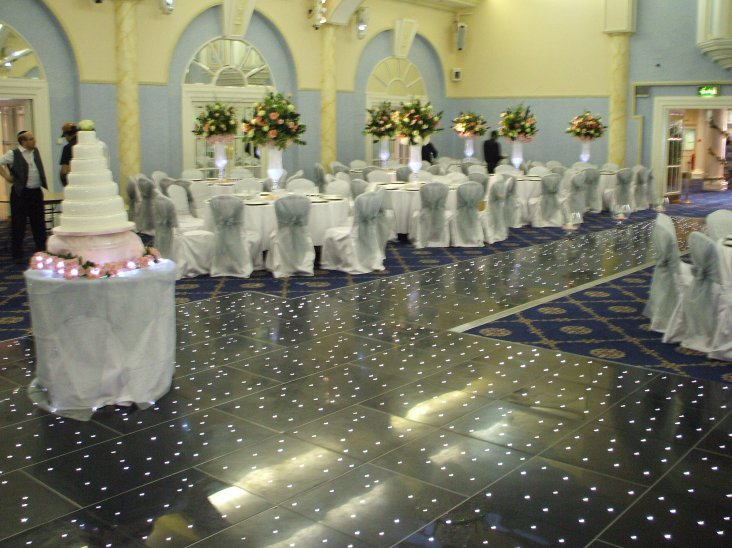 Dance Floor Hire in Caldecote, Berkshire